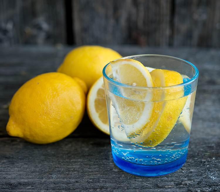 Drink Lemon Water-Water lemon helps your brain