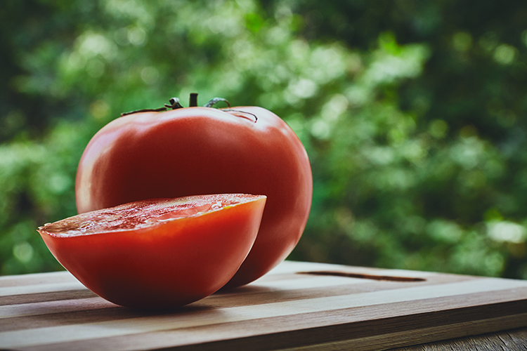 Best Veggies For Weight Loss-Tomato