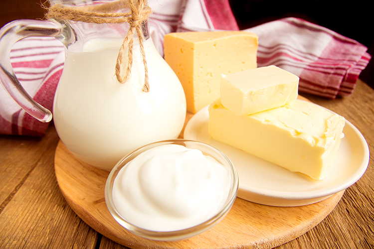 Foods That Burn Belly Fat-Milk, yoghurt and cheese