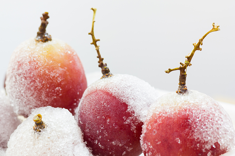 Get A Flat Belly With-Frozen grapes