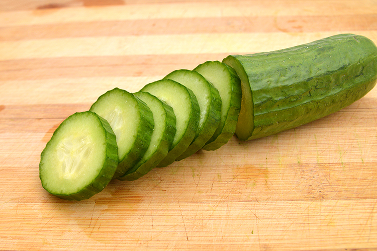 Get A Flat Belly With-Cucumber slices