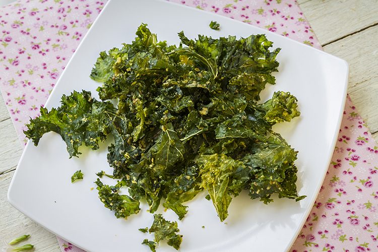 Get A Flat Belly With-Kale chips