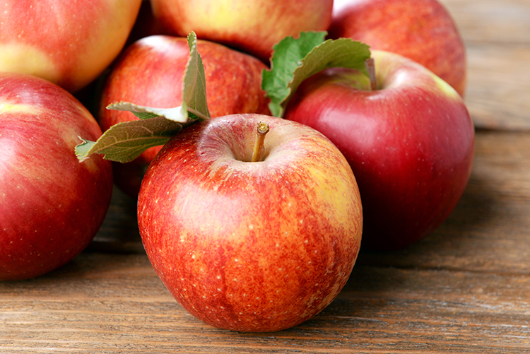 Foods That Reduce Bloating-Apples