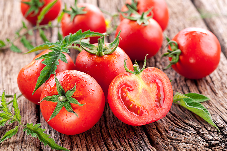 Foods That Reduce Bloating-Tomatoes