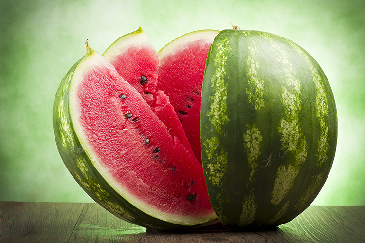 Foods That Reduce Bloating-Watermelon