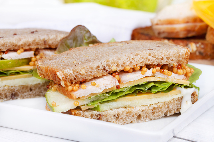 Get Flat Abs with-Cheddar and apple sandwich