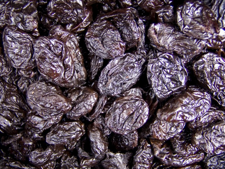 Delicious and Healthy Foods Prunes